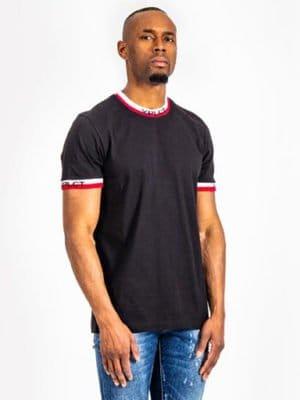 Ami Tee black XPLCT - zwartT-shirt met aansluitende boorden