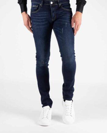 Afbeelding van donkerblauwe jeans van het merk Morlaix