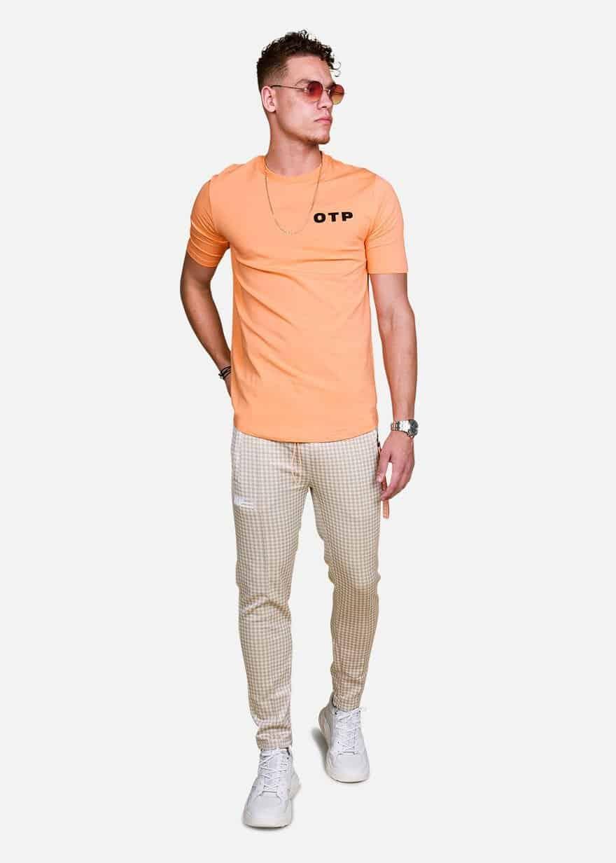 Orange Outline Off Tee OTP - oranje tshirt van Off The Pitch