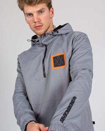 Grey Square Jacket XPLCT - grijze zomerjas met vierkant embleem in het oranje met zwart