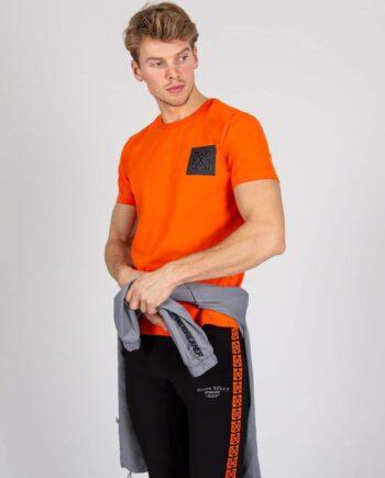 Orange Square Tee XPLCT - oranje T-shirt met het logo in een zwarte vierkant
